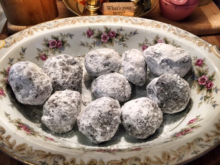 powdered balls